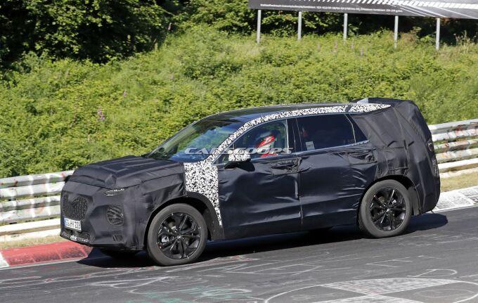 Новый Hyundai Santa Fe провели по Нюрбургрингу
