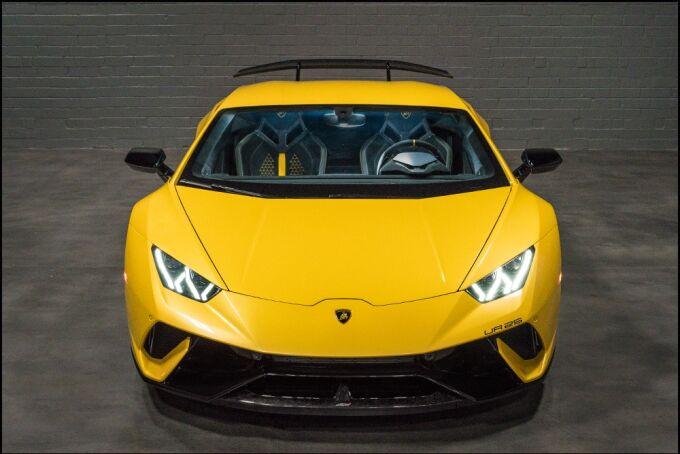 Lamborghini Huracan Performante впервые в мире получили двойной турбонаддув